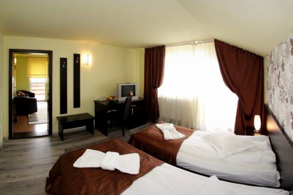 hotel-carmen-rooms-004
